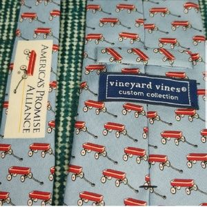 Vineyard Vines Custom Collection Red Wagon Tie
